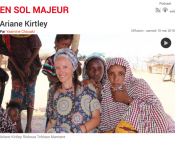 Ariane with women in Azawak for En Sol Majeur